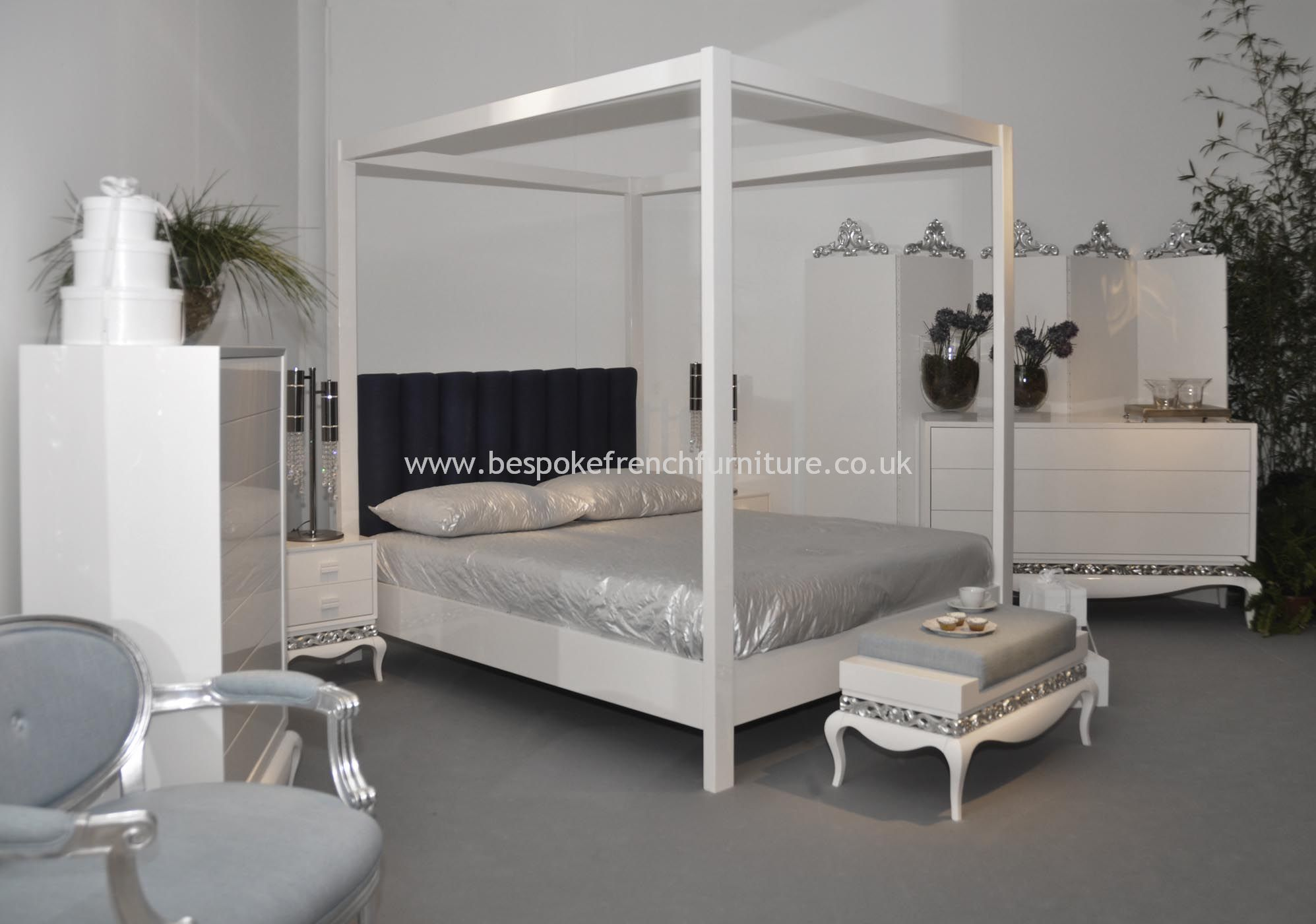 Elegant four poster bed in glossy white for 4 poster white bed